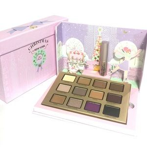 Too Faced Merry Macaroons Palette